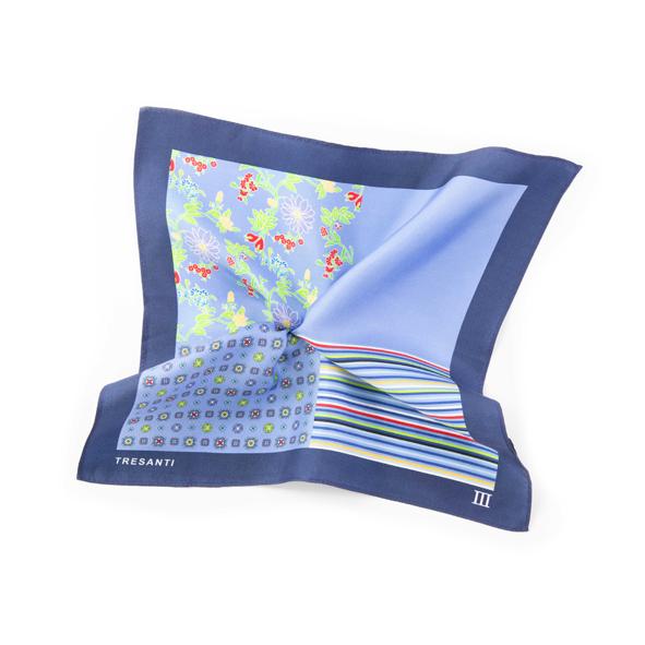 Printed navy/light blue pocket square made of silk