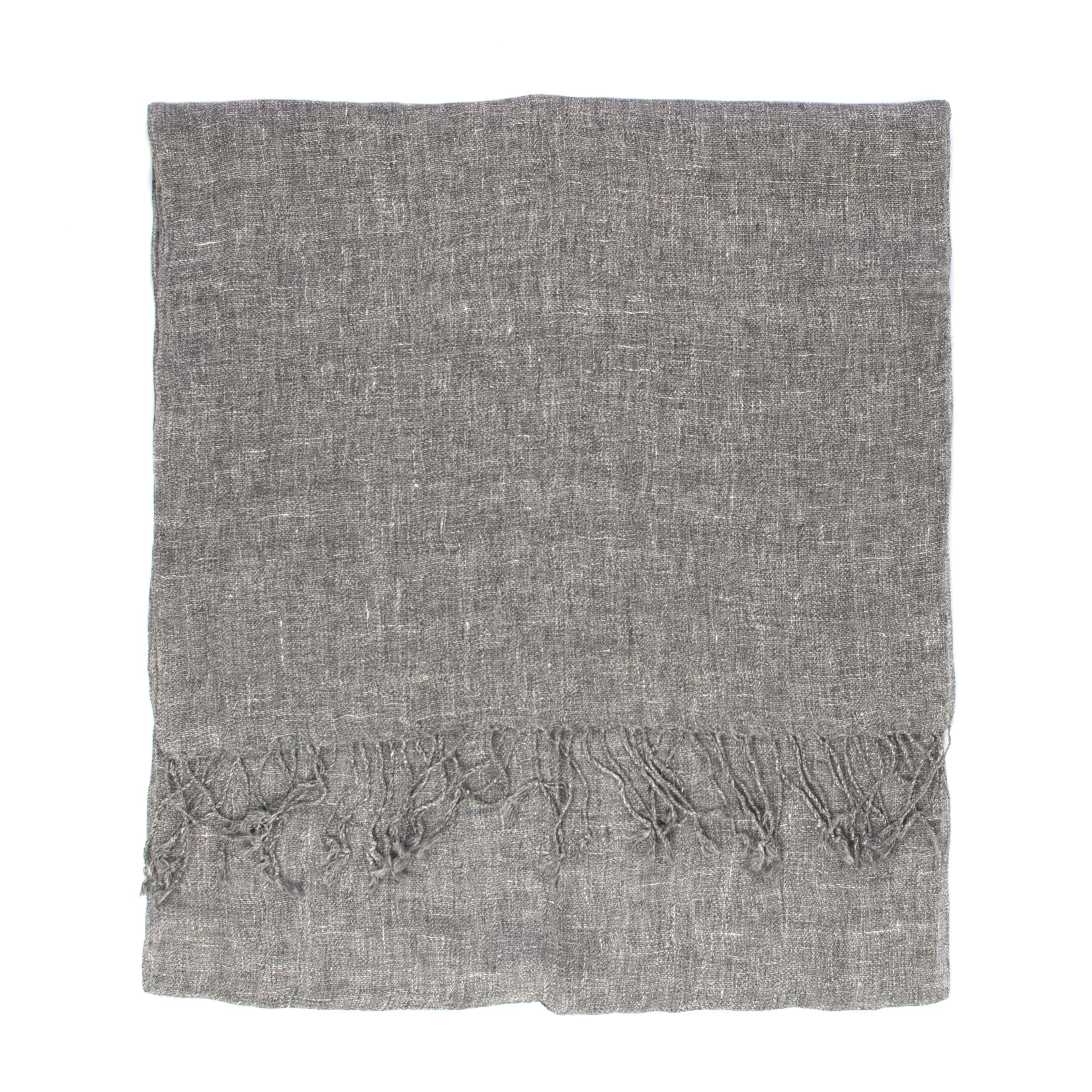 Grey linen scarf with fringes